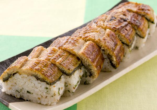 お寿司を巻く