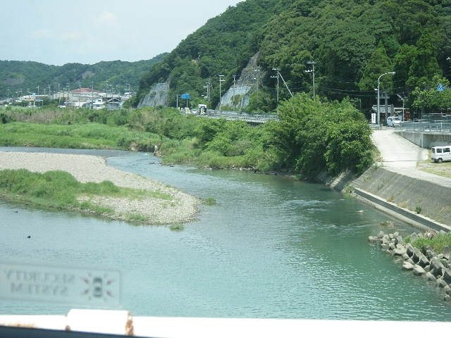 うなぎ釣りの絶好スポットは河口域